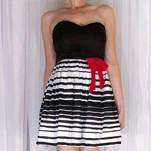 Trixxi Dresses - Black White Skater Skirt Strapless Dress
